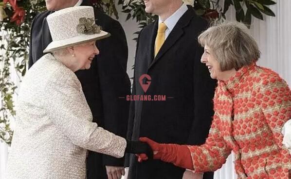 特蕾莎和英国女王