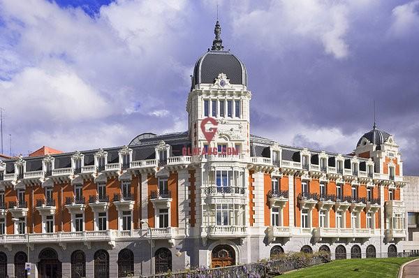 市中心贵族区宽敞雅致公寓 尊贵地段 生活优越 学校众多