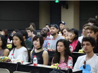 新加坡:为什么出国留学?这是我听过最真实的理由!
