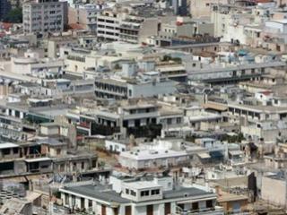 尽管希腊政府声称要进行基本的住宅保护,但低成本的房屋仍将被拍卖