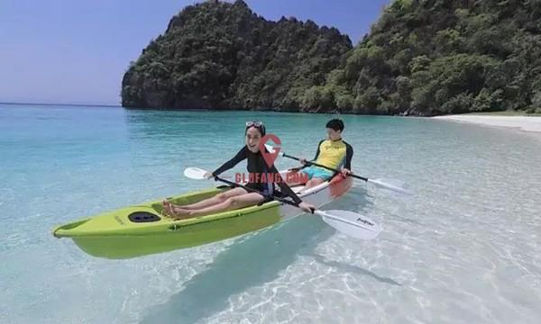 泰国当红女星Taew和圈外男友海边度假,甜蜜撒狗粮8.jpg