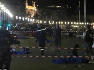 法国国庆恐怖袭击 84人遇难