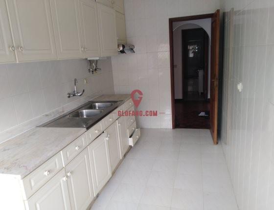 里斯本市区 T2 公寓出租,租金700欧元/月