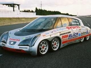 日本发明8个轮子电动车,速度不输布加迪