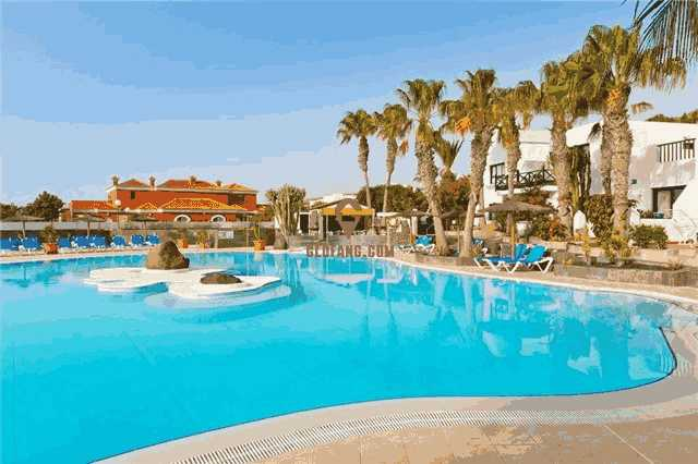传统富人区中心 黄金学区房 海滩花园泳池西班牙典型别墅