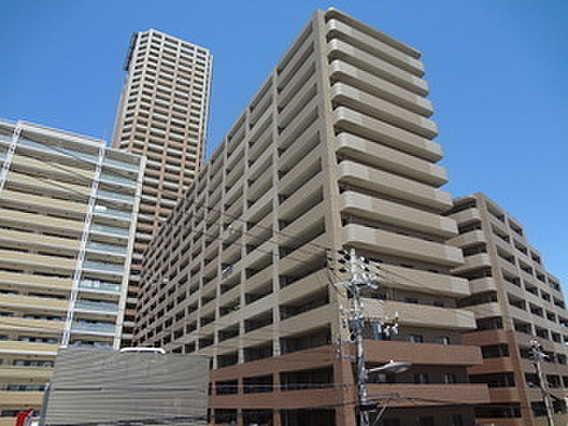 大阪市港区新装修公寓 免费停车场 三面皆由大阳台环绕
