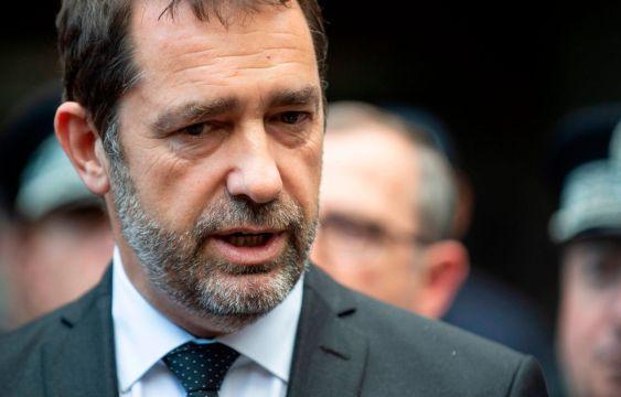 内政部长表示,法国可能会引入移民配额