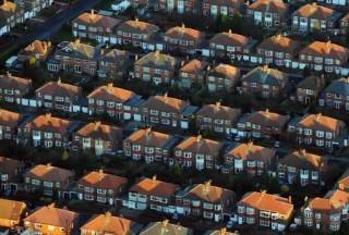 """【英国房价多少走势】尽管有""""鲍里斯反弹""""的说法,英国房价仍将保持低位增长"""