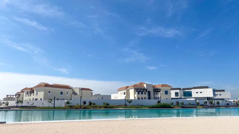 迪拜房产:迪拜酋长城一区,水晶湖畔,私人订制地皮出售