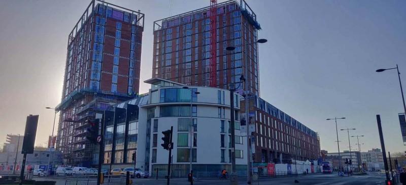 英国曼彻斯特市中心河景房-Crescent 新月公寓项目