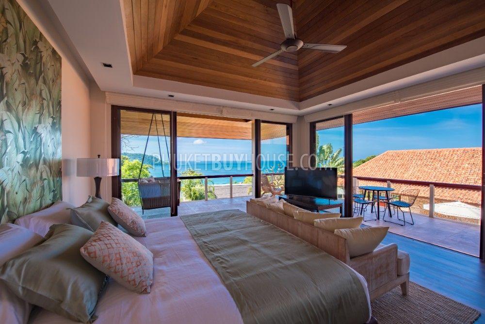 在神秘的Kata Noi海滩附近,有5间卧室和一个巨大的内部空间的豪华别墅