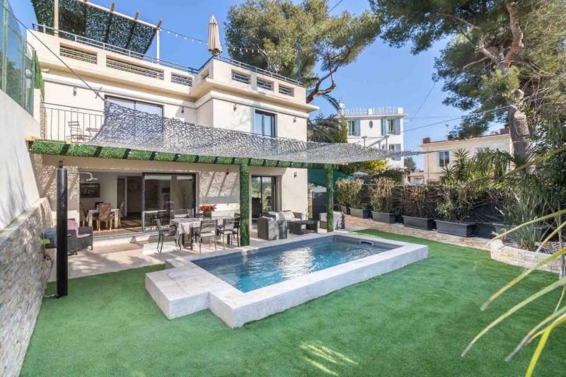 法国戛纳近市中心全新海景别墅出售