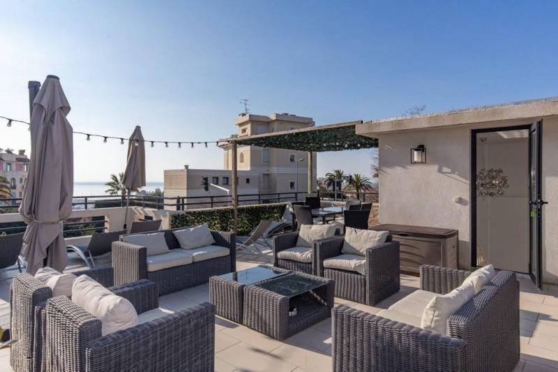 法国戛纳近市中心全新海景别墅出售,编号42572