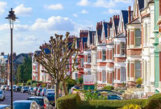 英国2月房价按年涨幅创18个月新高