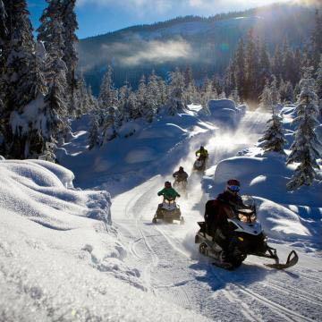 加拿大滑雪场旁酒店,编号43982