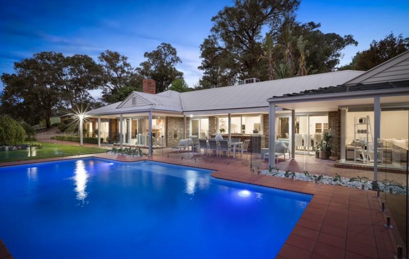 澳洲墨尔本近郊占地35万平方的豪华临水私人庄园,编号44141