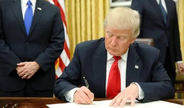 特朗普继续扩大移民禁令,暂停L签证
