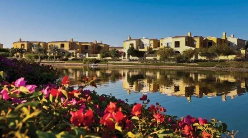迪拜房产:阿拉伯山庄三期联排别墅,仅256万RMB起