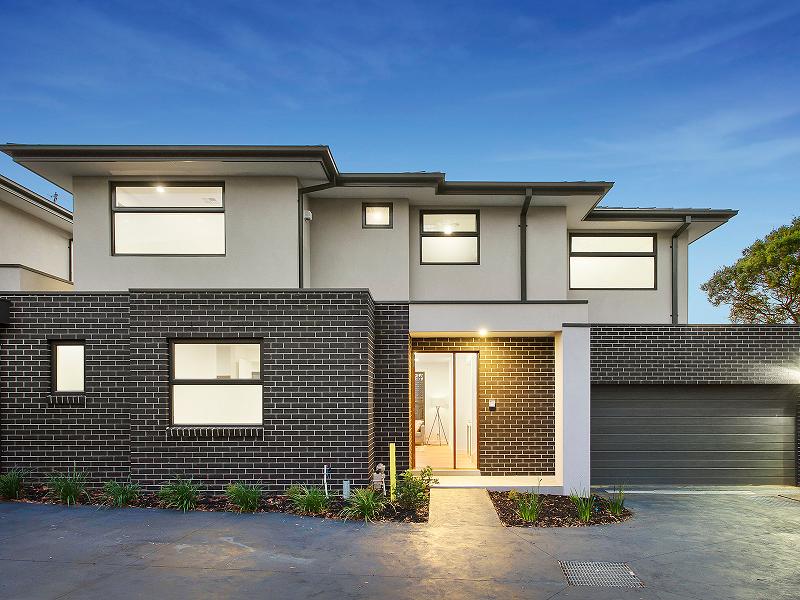 澳洲墨尔本DoncasterEast双学区现房别墅,降价出售