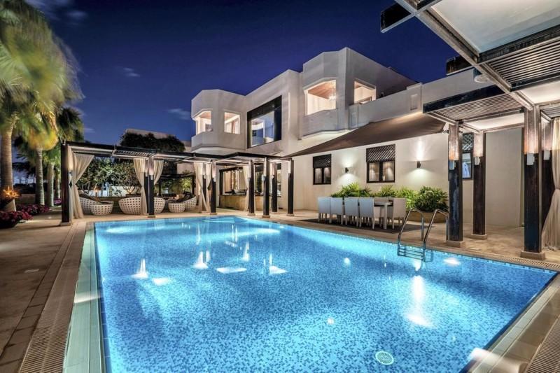 迪拜房产:迪拜棕榈岛别墅出售,海景房带私人沙滩,¥765万起