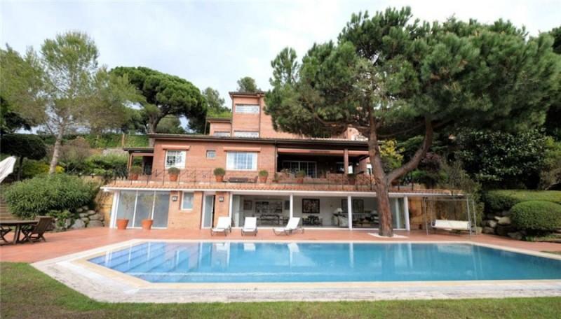 西班牙房产:巴塞罗那Sant Gervasi独栋别墅