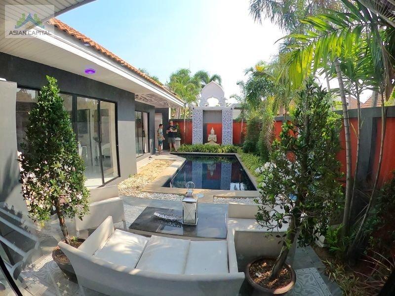 泰国芭提雅中天海滩核心地区别墅区大量房源ViewTalay