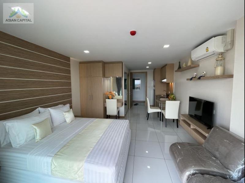 泰国芭提雅现房游艇码头公寓特价送摩托艇