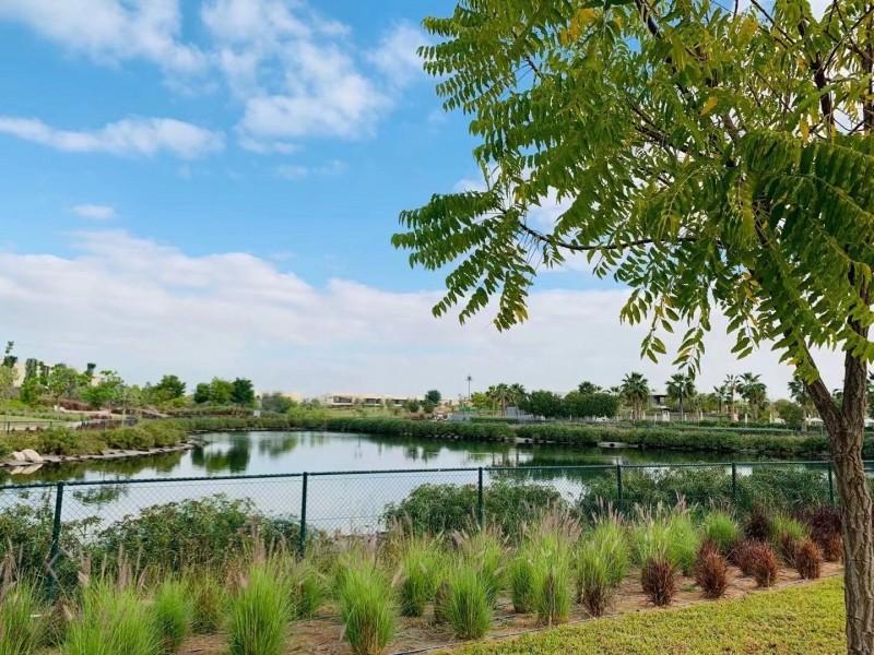 迪拜房产:达马克山庄,高夫球场,4房联排别墅,仅¥350万起