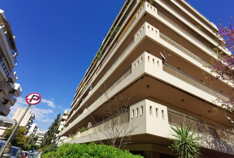 雅典南部Alimos海边公寓 3室2卫 316万rmb
