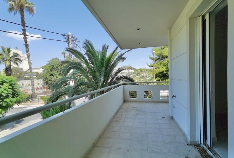 雅典南部富人区Faliro海滨公寓 33.5万欧
