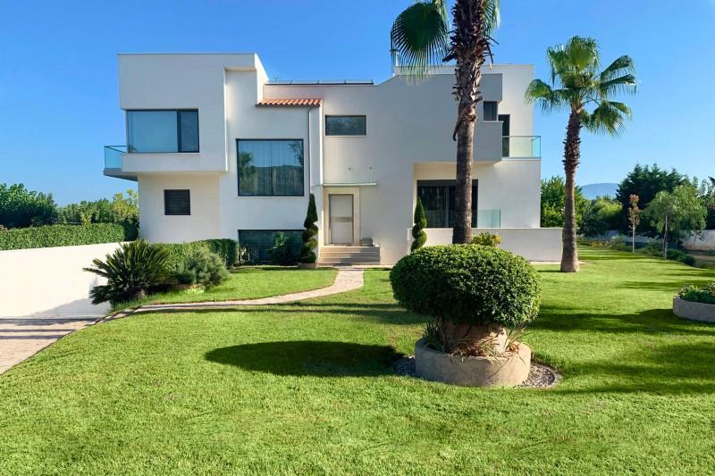 希腊高档精装海景别墅出售,出自意大利著名设计师之手