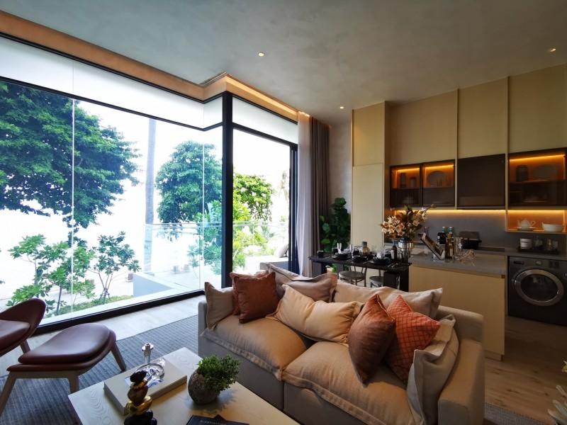 芭提雅直线靠海100米高端海景公寓AromWongamat