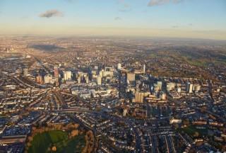 伦敦南部的一小块地区在英格兰和威尔士的房屋销售中处于领先地位