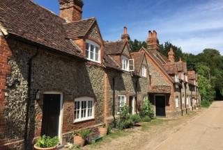 截至今年6月,英国房价上涨了13%