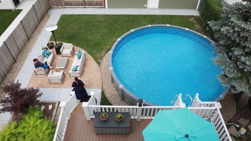 新冠肺炎期间,美国泳池需求激增——即使是在芝加哥