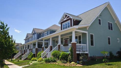 随着市场上有限的房产数量的改善,美国房屋销售上升