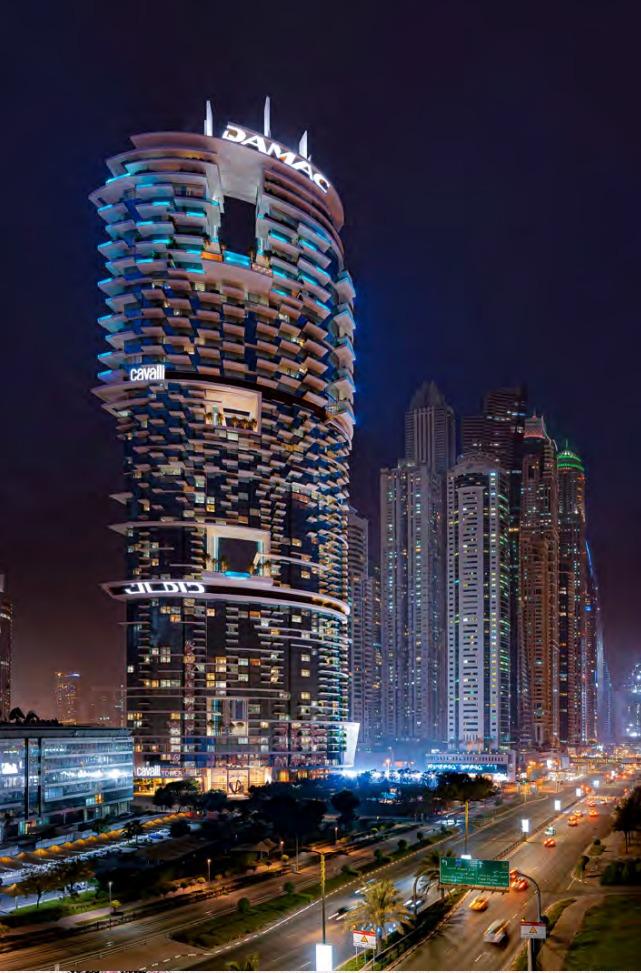 迪拜房产投资 海景房 带泳池的空中大平层+空中花园