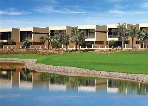 迪拜地产:达马克山庄,迪拜的比弗利山庄,高尔夫球场别墅