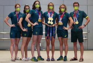 澳大利亚游泳队员在东京破纪录的奖牌后瞄准巴黎