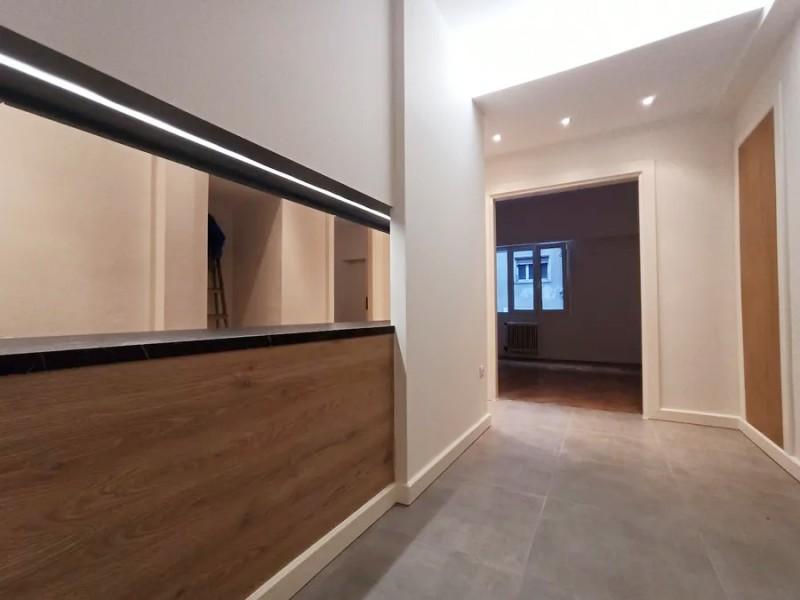 雅典北部全新装修精致公寓 15.3万欧